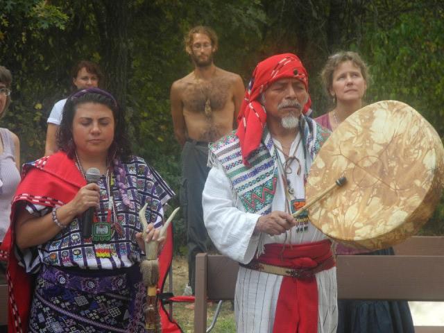 Tata Pedro Cruz - srdce Atitlanu a šamanka Nan Shumantla Fenix Giron - Shuni
